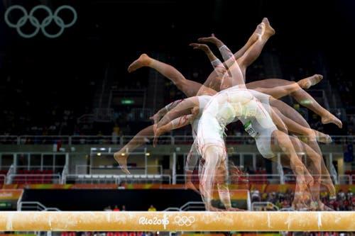 Spektakuläres Bild von Giulia Steingruber in Aktion (Bild: Keystone / Laurent Gilliéron)