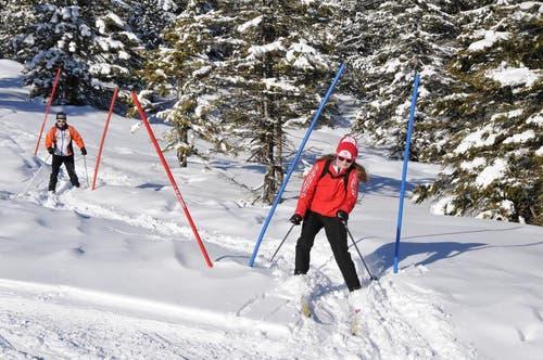 Langlauf und Plausch in der frisch verschneiten Landschaft im Langis. (Bild: Robert Hess / Neue OZ)