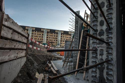 Armierungseisen für das Fundament und die Kellerwände. (Bild: Nadia Schärli (LZ))