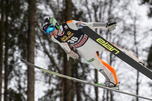 Der Slowene Domen Prevc springt am Samstag auf den zweiten Platz. (Bild: Keystone / Alexandra Wey)