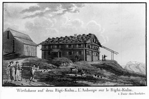"""Die Kantone Uri, Schwyz, Luzern, Ob- und Nidwalden haben sich zu einem Trägerverein zusammengeschlossen, um mit Beteiligung des Bundes und Unterstützung von Privaten die 200-jährige Tourismusgeschichte der Region zu feiern. 1815 entstanden die ersten Bauten des modernen Tourismus. Auf dem Bild : Das """"Wirtshaus"""" des Arther Tuchschneiders und Rigiführers Joseph Martin Bürgi (1778 - 1833) war das erste Berghotel der Zentralschweiz. Die Ansicht stammt aus dem Jahr 1819. (Bild: PD)"""