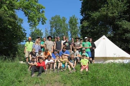 Und so sieht die aktuelle Jungwacht-Truppe aus. Ein Gruppenbild aus dem Sommerlager im Jahr 2014 in Giswil.