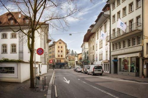 Heute: Südliche Burgerstrasse Blickrichtung Philipp-Anton-von-Segesser-Platz. (Bild: PD)