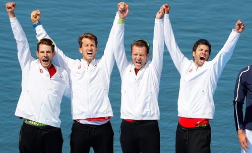 Grenzenloser Jubel bei den Schweizern: Olympia-Gold! (Bild: EPA / Diego Azubel)