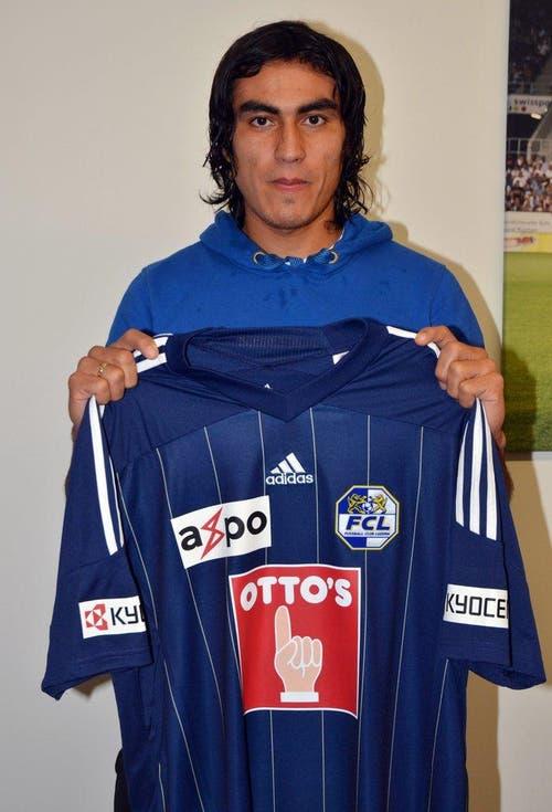 Dario Lezcano wird am 2. Februar 2012 beim FC Luzern vorgestellt. (Bild: FC Luzern)