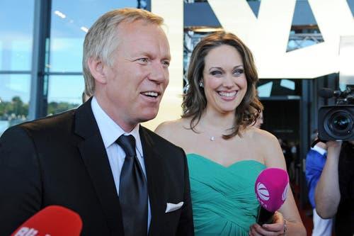 Moderator Johannes B. Kerner und Ex-Miss Tanja Gutmann. (Bild: Eveline Beerkircher/Neue LZ)