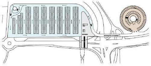 Der geplante Bus-Parkplatz (links) und das Parkhaus für die Autos. (Bild: PD)