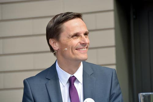 Freut sich über das neue Angebot: Spitaldirektor CEO Daniel Lüscher. (Bild: Romano Cuonz / Neue OZ)