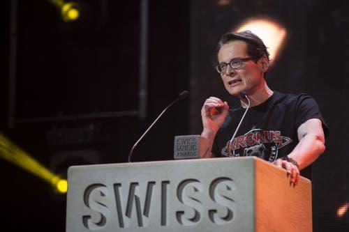Verleger Roger Köppel wird an den Swiss Music Awards bei seiner Laudatio für die Band Krokus ausgebuht. (Bild: Keystone / Ennio Leanza)