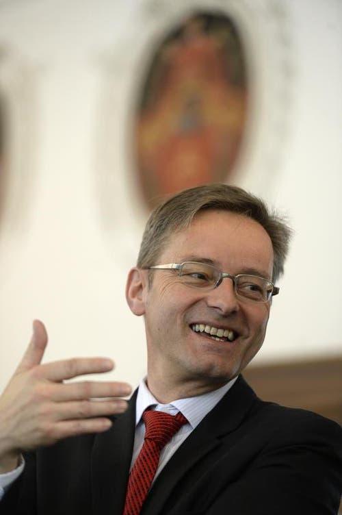 Der gescheiterte Regierungsratskandidat Conrad Wagner (Gruene Nidwalden) kann trozdem noch lachen. (Bild: Keystone / Urs Flüeler)
