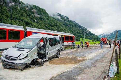9. Oktober: Millionenklage der Unfallopfer bei einem unbewachten Bahnübergang in Wolfenschiessen. Die Zentralbahn soll über eine Million Franken Entschädigung zahlen. (Bild: Roger Gruetter / Neue LZ)