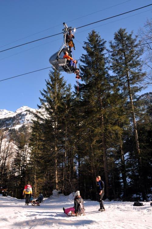 Erwartet hätten sie jedoch, dass sie bei der Talstation unten auf der Stöckalp von Bergbahn-Mitarbeitern in Empfang genommen würden. (Bild: Christoph Riebli)