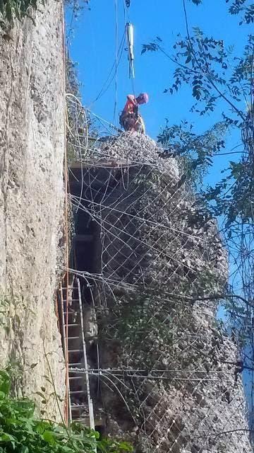Während der letzten beiden Monate wurden die gefährlichsten Stellen an der Horlaui abgetragen und gesichert. (Bild: Gemeinde Weggis)
