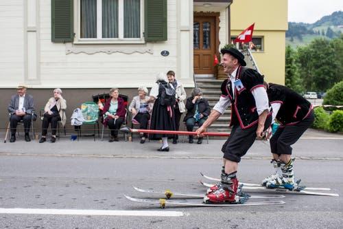 Der Jodlerklub Echo Sörenberg am Sonntag. (Bild: Keystone/ALEXANDRA WEY)