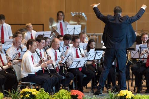Die Harmonie Municipale de Monthey beim Spiel. (Bild: LAURENT GILLIERON)