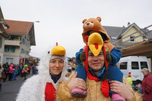 Farbenfrohe Kostüme (Bild: Romano Cuonz (Giswil, 11. Februar 2018))