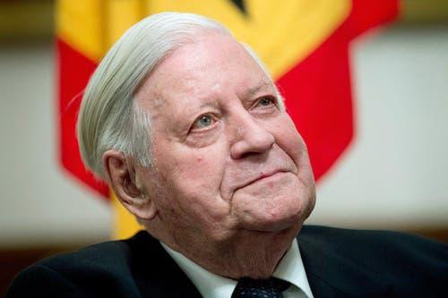 Der Alt-Kanzler strahlt zufrieden an seinem 95. Geburtstag am 13. März 2014. (Bild: Keystone)