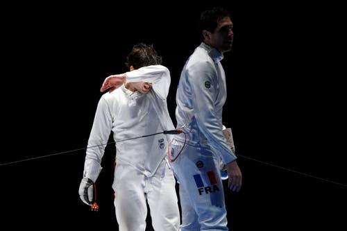 Max Heinzer, links, als er sich vom Franzosen Gauthier Grumier geschlagen geben musste. (Bild: Keystone / Valentin Flauraud)