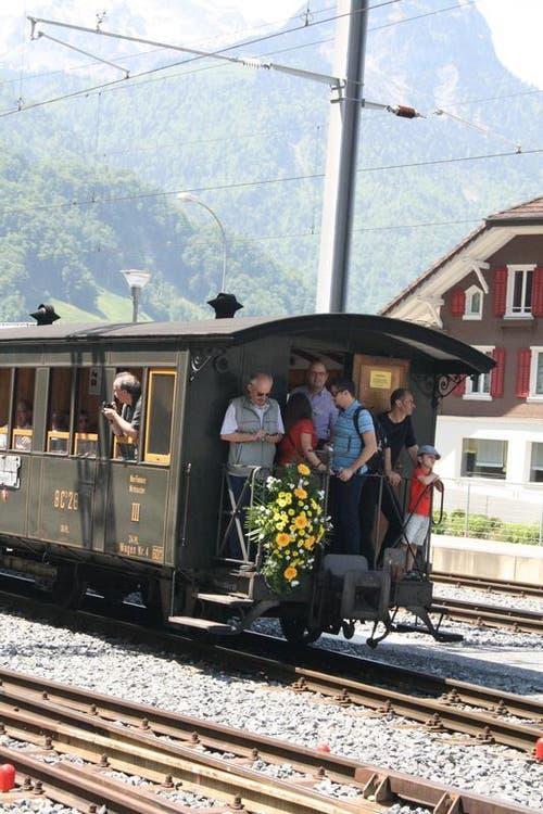 """Der """"Historic"""" mit der Lok Deh 4/6 Hr.914. (Bild: Marion Wannemacher / Neue OZ)"""