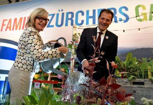 Die Zürcher Regierungspräsidentin Regine Aeppli und Luzerns Regierungspräsident Reto Wyss bei der Eröffnung am Freitag. (Bild: Nadia Schärli / Neue LZ)