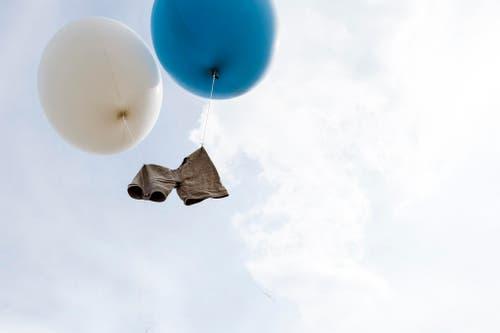 Die Hose von Adrian Laimbacher verabschiedet sich am Schwing- und Älplerfest auf der Rigi. Der 35-Jährige beendete am 12. Juli seine Karriere. (Bild: Keystone / Ennio Leanza)