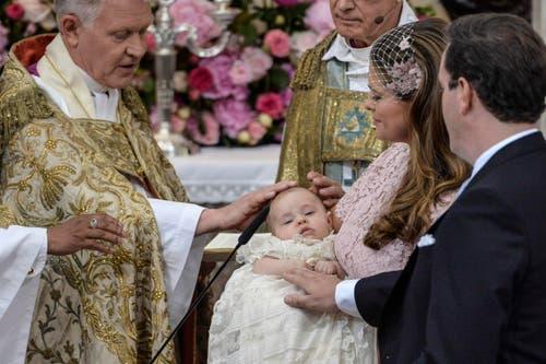 Auch die royalen People sorgten 2014 für Schlagzeilen: Hier wird im Februar Prinzessin Leonore von Schweden getauft. (Bild: Keystone)