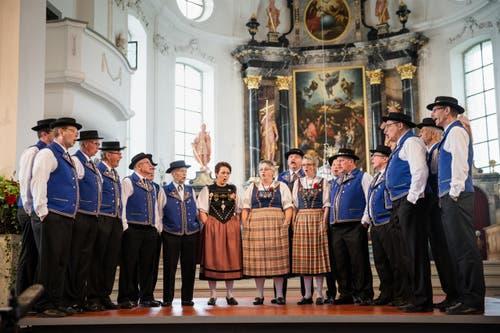 Jodelvortrag in der Katholischen Kirche von Jodeldoppelquartett Bärgbrünneli aus Wolhusen. (Bild: Manuela Jans- Koch (Neue LZ))