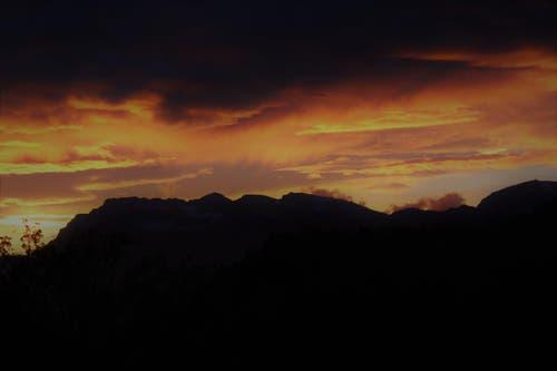 Wunderbare Morgenstimmung über dem Pilatus. (Bild: Belinda Egli-Husmann)
