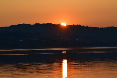 Sonnenuntergang am Sempachersee. (Bild: Karl Odermatt)