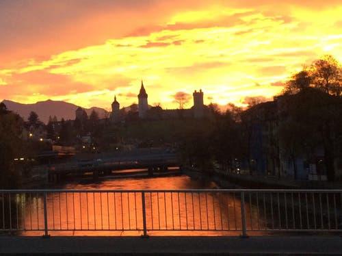 Der Himmel brennt in Luzern (Bild: Claudia Kasap)