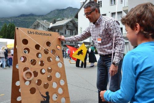 1. August: Bundesfeier in Andermatt. Geschicklichkeitsspiele für Kinder. (Bild: Sven Aregger / Neue UZ)