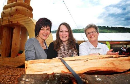 Grüsse von Margrit, Nicole und Monika. (Bild: Corinne Glanzmann/Neue NZ)