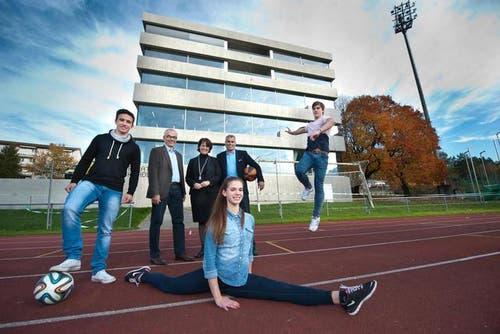 7. November: Die Pilatus Akademie, eine Schule für Sport- und Musiktalente, wird eröffnet. (Bild: Boris Bürgisser / Neue LZ)