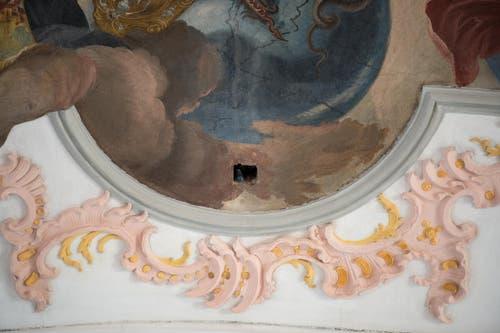 ie Löcher in der Decke zeugen von der Renovation. (Bild: Dominik Wunderli)