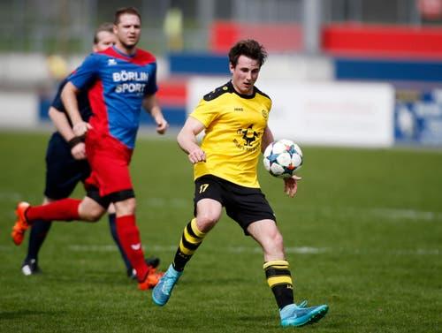 Baars Ronny Mazenauer am Ball. (Bild: Stefan Kaiser / Neue ZZ)