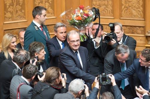 SVP-Nationalrat Guy Parmelin, VD, wird als neuer Bundesrat gewählt. (Bild: PETER SCHNEIDER)