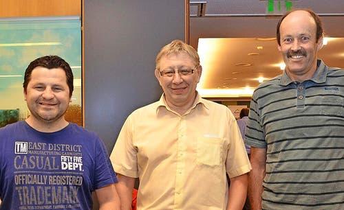 Fredy Müller (Mitte) erreichte den ersten, Arthur Fassbind den zweiten und Ruedi Zurbrügg (links) den dritten Platz. (Bild: Claudia Surek)