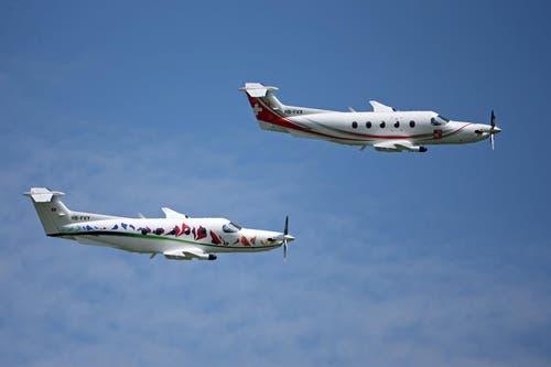 Vor dem Rollout gabs eine grosse Flugshow: PC-12 der Pilatus Flugzeugwerke. (Bild: Philipp Schmidli)