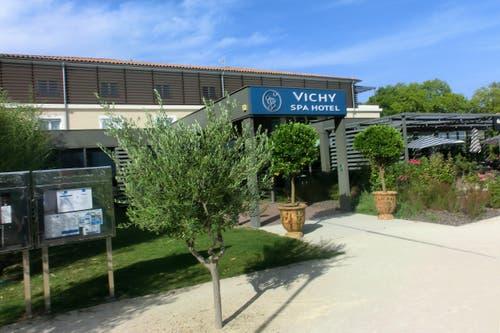 Eingangsbereich des Vichy Spa Hotels in Montpellier, in welchem die Schweizer Nati logiert. (Bild: SFV / Marco von Ah)