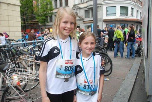 Lara Wiprächtiger (links) und Lia Eisserle aus Wolhusen. (Bild: Swiss-Image)