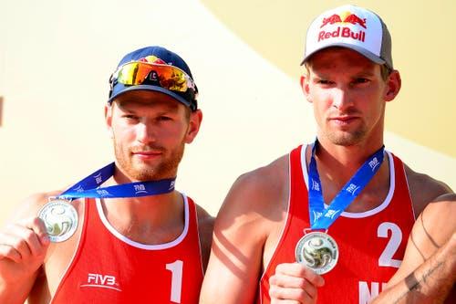 Silber ging an Alexander Brouwer (links) und Robert Meeuwsen aus den Niederlanden. (Bild: Keystone / Urs Flüeler)