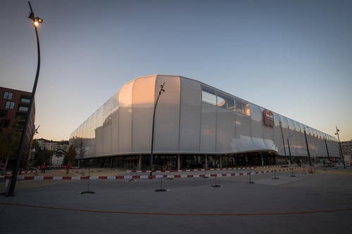 Blick auf die Mall of Switzerland. (Bild: Boris Bürgisser (Ebikon, 18. Oktober 2017))