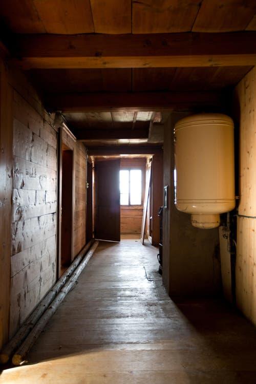 Blick in den Gang vom Obergeschoss des Pächterhauses. (Bild: Manuela Jans-Koch/Neue LZ)