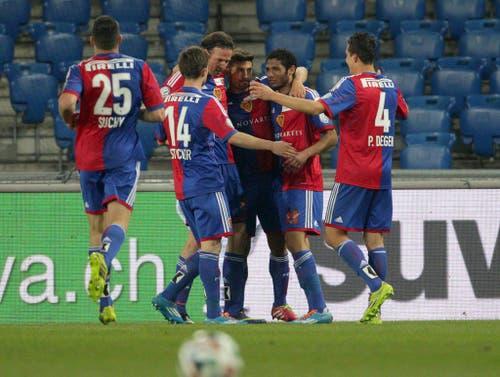 Basels Davide Calla, rechts, erzielt das 1:0 (Bild: Keystone)