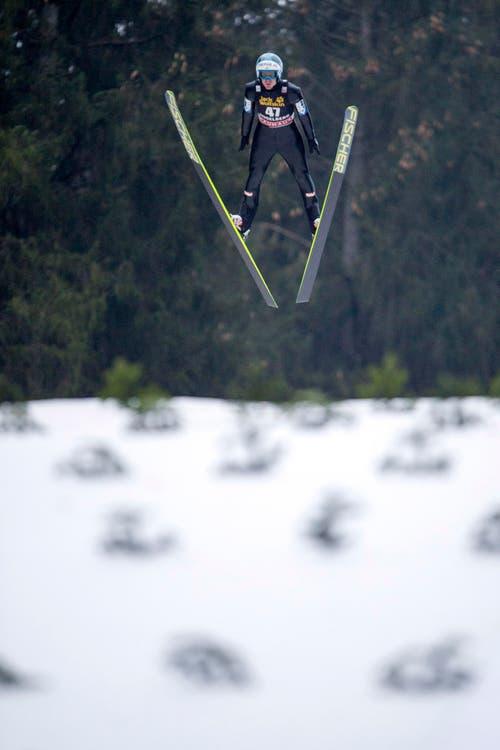 Der Österreicher Michael Hayboeck im Flug. (Bild: SIGI TISCHLER)