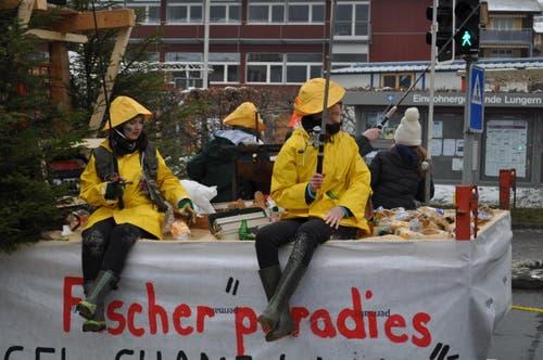 Plastik anstatt Fisch im Fischerparadies. (Bild: Birgit Scheidegger (Lungern, 10. Februar 2018))