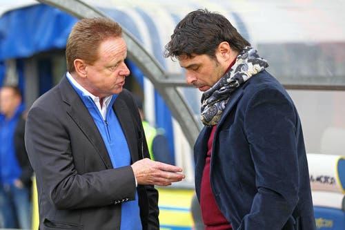 Smalltalk: Rolf Fringer diskutiert mit GC-Trainer Ciriaco Sforza. (Bild: Philipp Schmidli/Neue LZ)