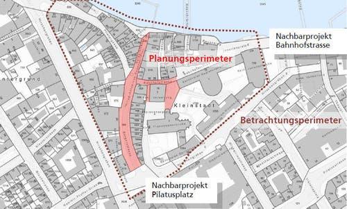 Der Planungsperimeter (rote Fläche) und der Betrachtungsperimeter in der Kleinstadt. (Bild: PD)