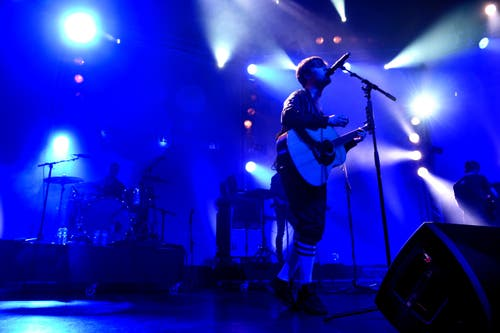 Die schwedische Band Mando Diao begeistert am Freitag im Luzerner Saal des KKL. (Bild: Nadia Schärli)