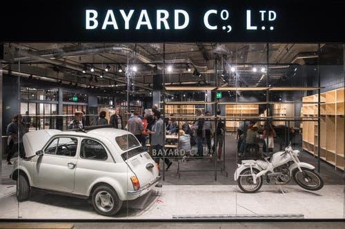 Blick ins Schaufenster des Geschäfts Bayard (Bild: Boris Bürgisser (Ebikon, 18. Oktober 2017))